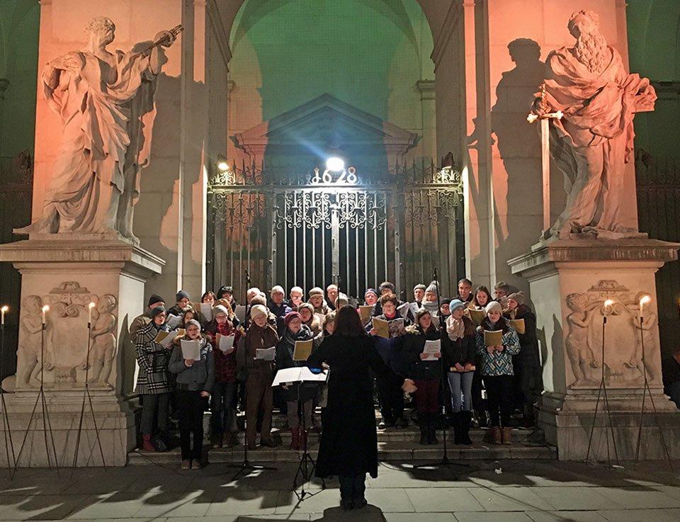 Sing mit! Freies Chorsingen am Salzburger Christkindlmarkt am Dom- und Residenzplatz
